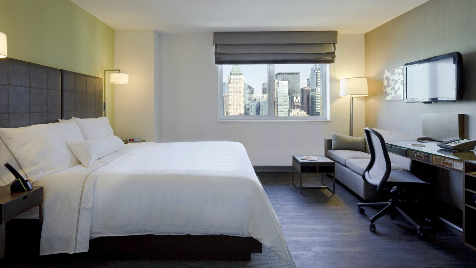 Times Square Hotel Rooms - Deluxe King Room